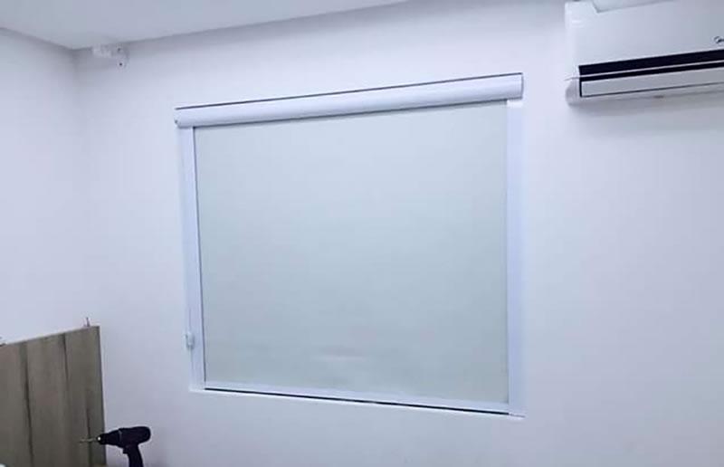 cortina-rolo-blackout-com-guias-laterais-4